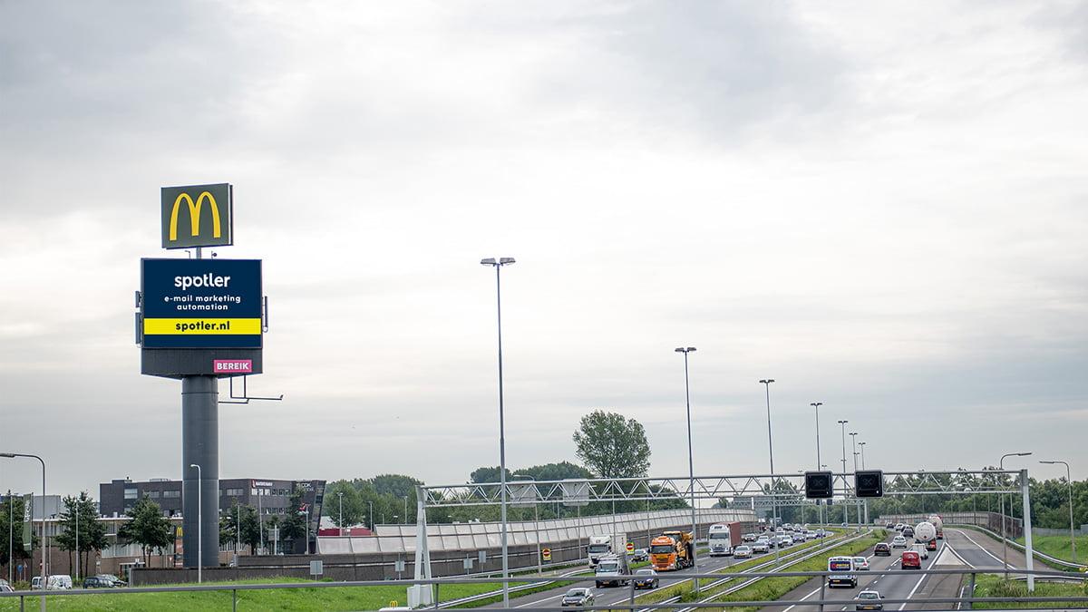 Adverteren langs de A15 - Hardinxveld-Giessendam